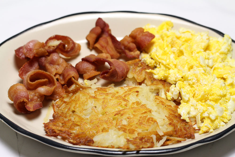 Bacon, Eggs, Hashbrown & Choice of Meat